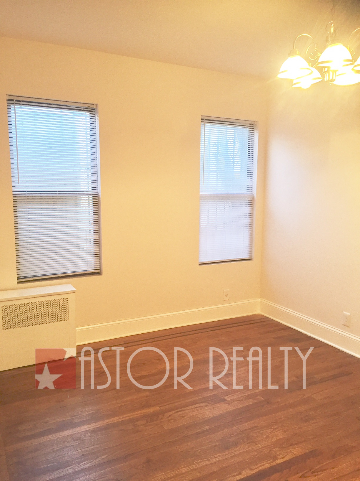$2,000 - 23rd Street & 30th Avenue Astoria, NY